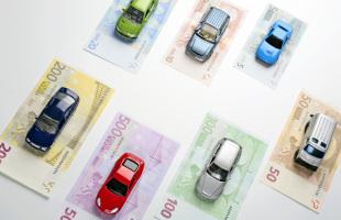 Tasse RC auto: nel 2014 lo Stato incasserà 3.8 miliardi di euro